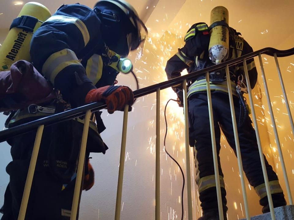 Ausbildung am Realobjekt - Breckenheimer Einsatzabteilung übt in Abrissgebäude